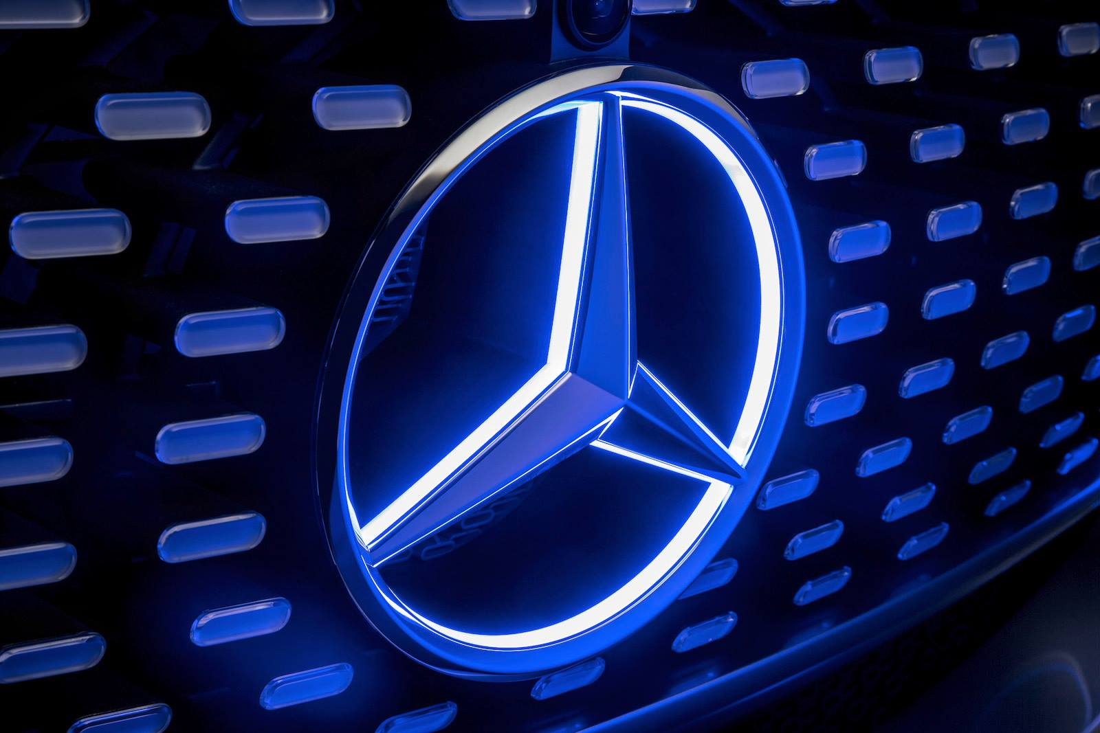 Voice over Cars – Ohne Worte: Mercedes-Benz F015 Luxury in Motion Video