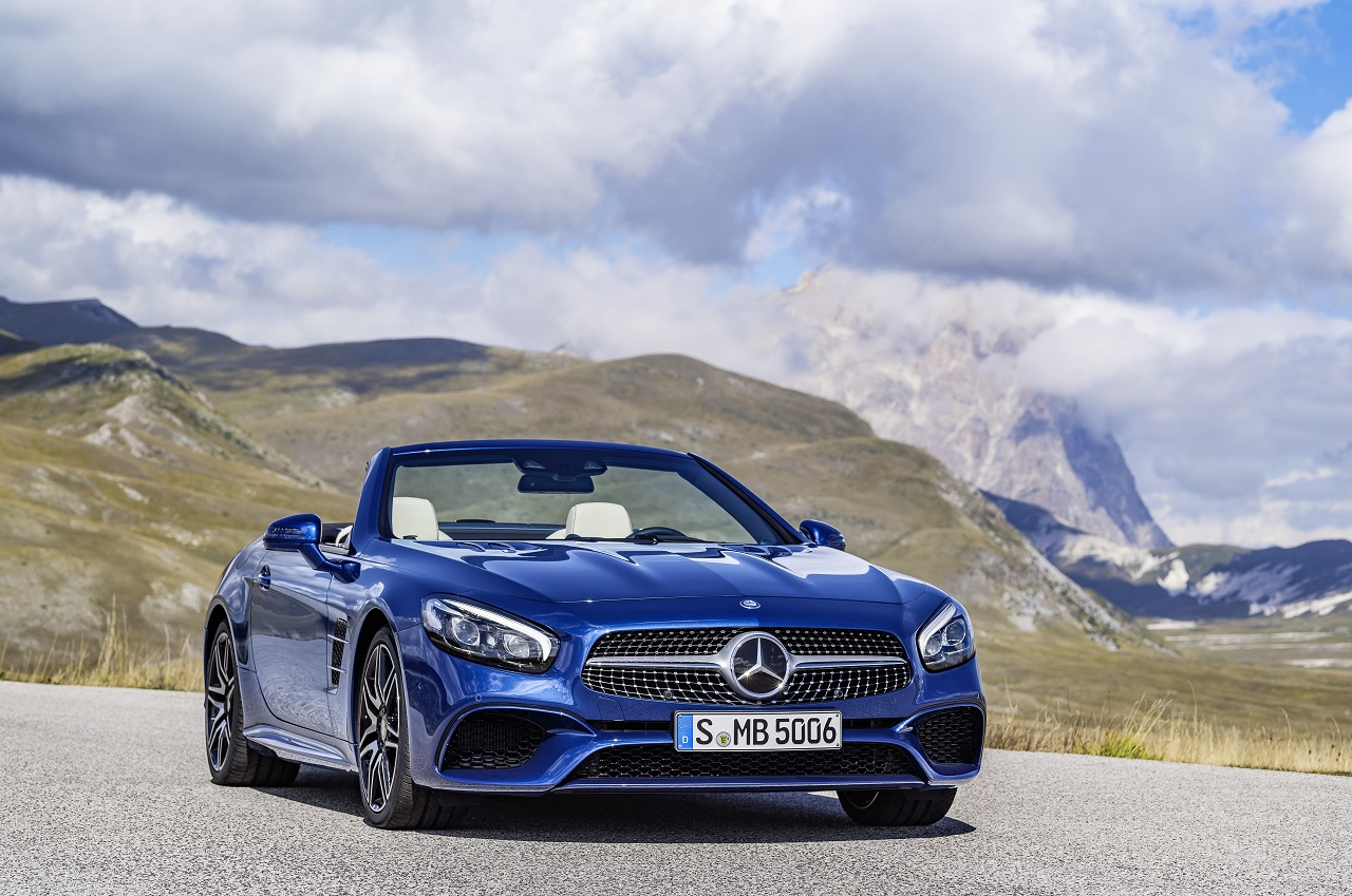 Video: 2016 Mercedes-Benz SL / Mercedes-AMG SL 63